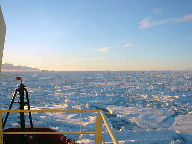 LMG pushes through sea ice.