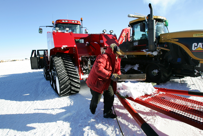 Traverse Tractors at South Pole