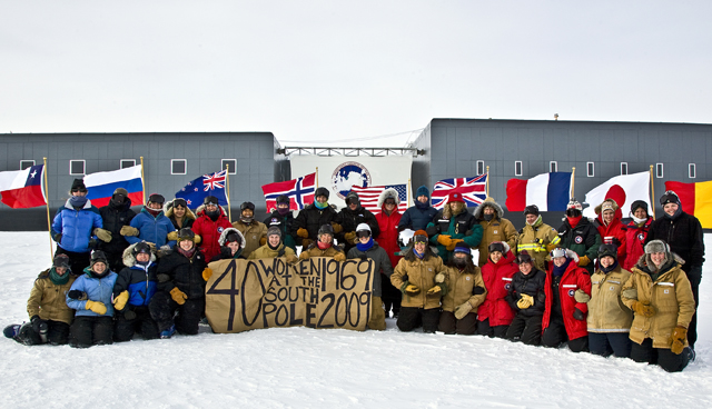 Women at the South Pole on 40th anniversary.