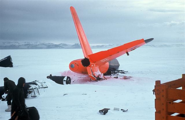 Crashed plane on snow.