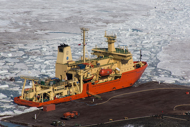 The Nathaniel B. Palmer docked at McMurdo Stations ice pier