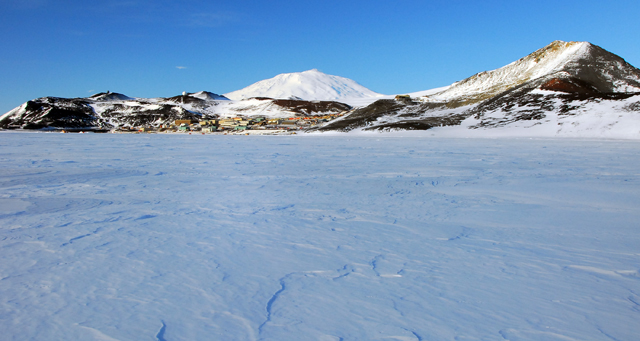 Sea ice in front of Ross Island and McMurdo Station.