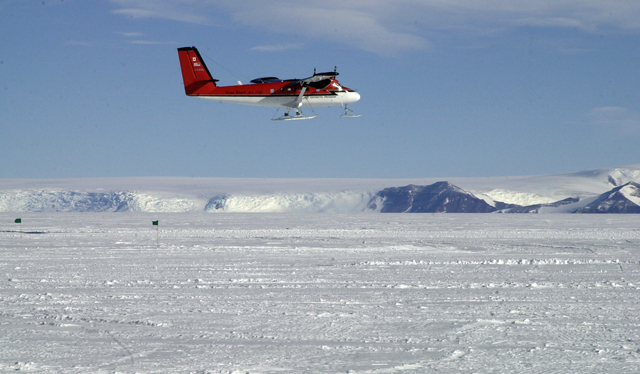 Twin Otter in flight.
