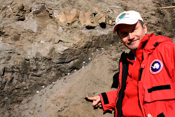 Joe Kirschvink points to KT boundary on Seymour Island.