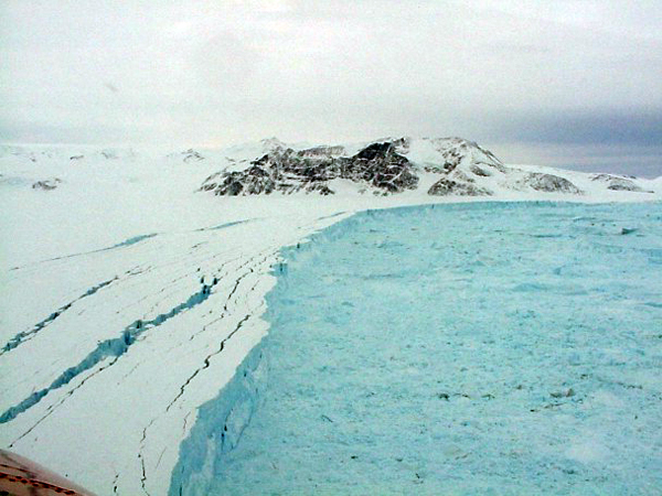 Larsen Ice Shelf front in March 2002.