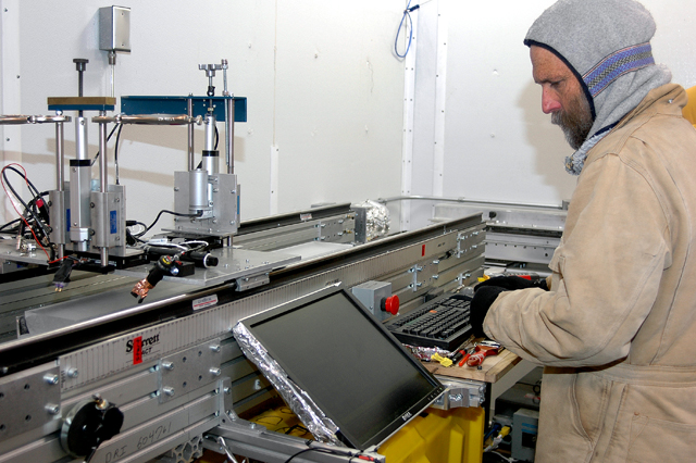 Man looking at computer screen.