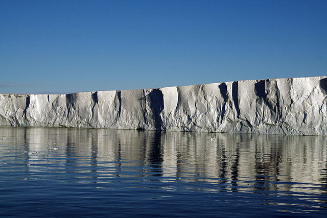 Front of an ice shelf.