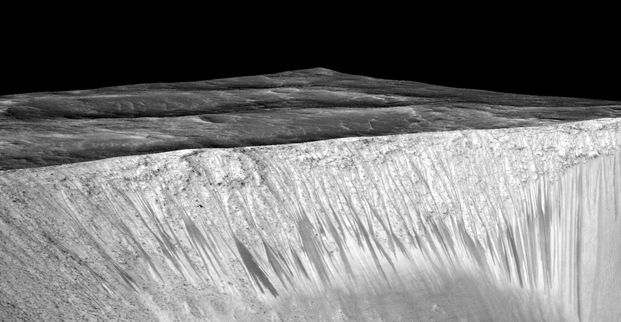 A 3D projection of satellite data showing the dark briny streaks of water flowing on Mars